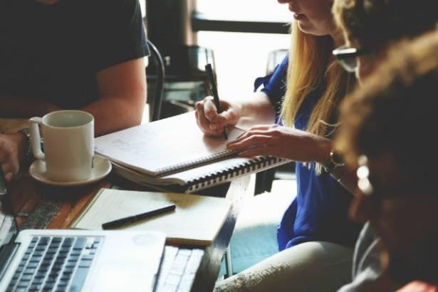 I vantaggi dello stand-up meeting