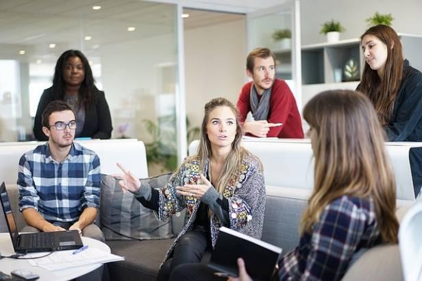 standup-meeting-sviluppo-software-framework-scrum
